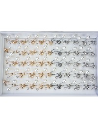 R037-Boîte 50 bagues strass et perles