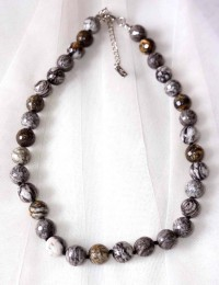 N262-Collier en pierre obsidienne